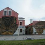 Mural na ścianach biblioteki miejskiego w Ustroniu.